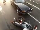 Motorrad Crash: Das Video lässt Absicht des BMW Fahrers vermuten!