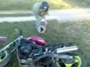"""Motorrad Crash - """"Du Vollidiot"""" Vollbremsung, Abflug und dann DIE Lache :-)"""