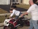 Motorrad (Umfaller) Crash: Haaalllloooooo ICH hab doch gar nix gemacht!!!