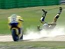 Motorrad Crash Hayden vs. Edwards Assen 2006 Abflug in der letzten Kurve, letzte Runde