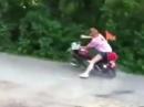 Motorrad Crash: Highsider Fahranfänger Gaaassss