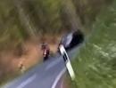 Motorrad Crash: Hundskurve, ab in den Gegenverkehr - einatmen, ausatmen
