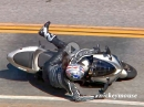 Crash Kawasaki ZX-6R: Vorderrad eingeklappt. Taffes Mädel