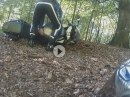 Motorrad Crash: Kurve ausgegangen und beim Aufstellen der Klassiker