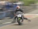 Motorrad Crash Lenkerschlagen. TT 1999 - F1 Race Paul Orritt