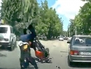 Übler Motorrad Crash: Linksabbieger, Motorrad zu schnell - Knochen gebrochen