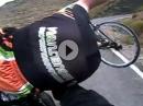 Motorrad Crash mit Radrennfahrer auf der eigenen Spur