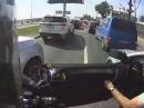 Motorrad Crash Mittelstreifen - Und urplötzlich ging die Autotür auf ...