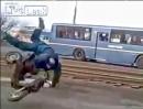 Motorrad Crash: Rampe, Sprung - Abflug. Und wer hats erfunden? Russen