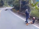 Motorrad Crash: Rechts überholt, Standspur, dann gehts schnell