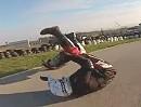 Motorrad Crash Rennstrecke: Schreckbremsung? Vorderradrutscher?