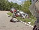 Motorrad Crash: Straße ausgegangen! Zu schnell?! Schwermetall versenkt