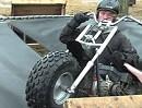 Motorrad Crash Trampolin: Rampe, Trampolin, Rampe der Plan ging in die Hose