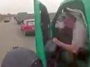 Motorrad Crash: ... und plötzlich haste die Autotür im Gesicht
