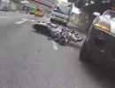 Motorrad Crash: Wenn der Autofahrer pennt, rappelts meistens vehemennt