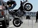 Motorrad Crashtest Motorrad mit 45 km/h in Van - Highspeedaufnahme