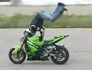 Motorrad Eintänzer - bei cooler Mucke bisschen Wheelis und Stoppies üben