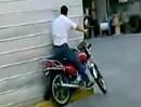 Motorrad Fahrschule: Immer an der Wand lang und Sturz