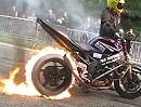 Motorrad Feuerburnout bis der Reifen den Geist aufgibt! Burn Baby burn