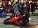 Motorrad Fußrasten Donut: Drehwurm auf den Rasten ... hat was