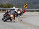 Motorrad Gruppen Selfie auf dem Knie - kann man so machen, aber ...