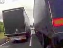 Motorrad Horror Crash: LKW Sandwich - Stau, zu schnell, Lichter aus