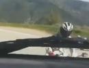 Motorrad Horror: Idiot auf der Gegenfahrbahn, und unsereiner auf dem Knie unterwegs - Great Save