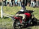 Motorrad Karussell: 10 Runden/Zeit = Sieger über die Fliehkraft - Brüller