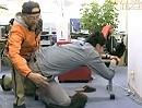 Motorrad Knieschleifen / Hangoff auf japanisch lernen geht auch im Büro :-)
