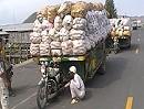 Motorrad Anhänger mit ca. 5 Tonnen leicht überladen! Wehe der muss bremsen