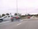 Motorrad Raser vs Polizei - Verfolgungsjagd endet am Schluß filmreif und schlagartig