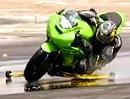Motorrad Regenfahrt - was im Nassen geht. Training auf der Rennstrecke / Regenreifen
