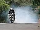 Motorrad Rolling Burn - gezielte Gummivernichtung mit CBR1000RR
