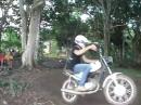Motorrad Schaukel aka Affenschaukel - seltsamer Menschling