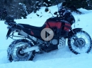 Motorrad Schneeketten - Schnee vs. Honda macht doch Spaß