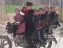 Motorrad Schulbus - Schatz ich bring schnell die Kids in die Schule