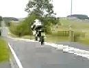 Motorrad Sprung. Gewaltiger Satz, leider ist die Qualität bescheiden ...