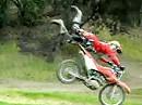 Motorrad Sprung Hügel Crash - Haltungsnote 1, Flugkurve 1, technische Ausführung: verbesserungswürdig