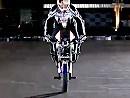 Motorrad Stoppie - Chris Pfeiffer erklärt wies geht - BMW-TV
