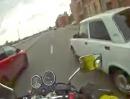 Motorrad Straßenkrieg in Russland: Demolition Man - er sieht rot