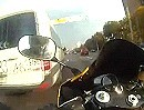 Motorrad Streetracing: Organspender extrem auf R1; unterwegs in Moskau