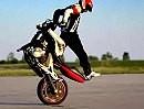 Motorrad Stunt Angyal Zoltan - einfach genial was der Junge drauf hat!
