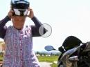"Motorrad Stunt: Die Oma lässt die ""Sau"" raus"