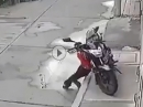 Motorrad Umfaller auf spielendes Kind :-( Was lernen wir?