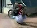 Motorrad Unfall: Klar Mama kannst Du Motorrad fahren - schrei nicht so!
