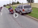 Motorrad vs Auto. Abgedrängt und dumm gelaufen - DEPP
