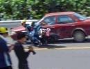 Motorrad vs Auto: Der Crash war vermeidbar! Vermute: Anfänger = kurios