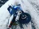 Motorrad vs. Schnee = Gixxer Crash - da prallen Welten aufeinander