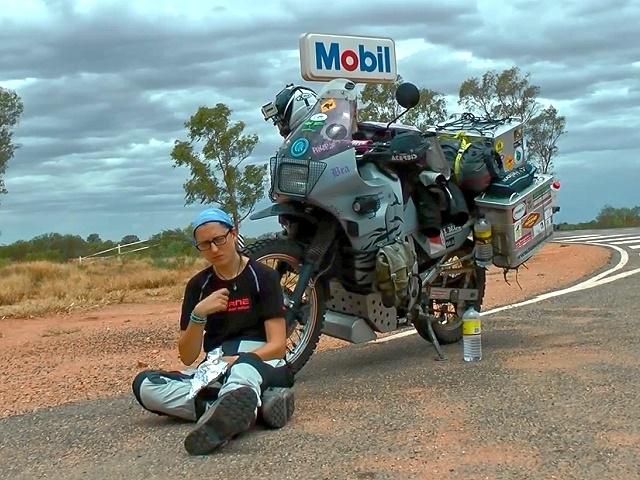 Motorrad Weltreise Timetoride Rotes Herzen Australien Mit