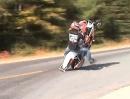 Motorrad Wheelie Crash: Hauts beim Wheelie Dich aufs Maul, ist am Ablauf meist was faul!